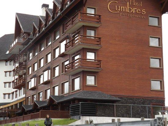 Hotel Cumbres Puerto Varas: Afuera del Hotel