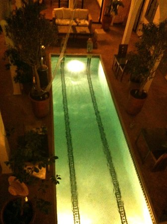 Riad Utopia Suites & Spa: Patio/Piscine