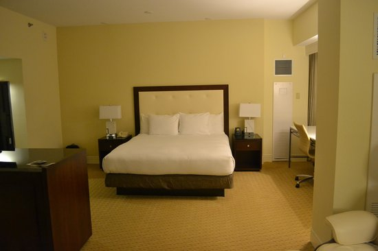Hilton Miami Airport: Nice room