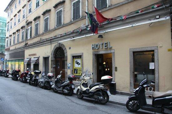Hotel Portacavana : Esterno dell'albergo