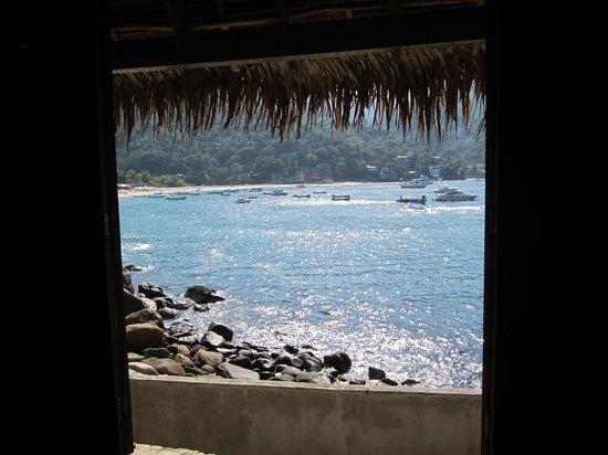 Hotel Lagunita: Looking out straight onto Yelapa bay.