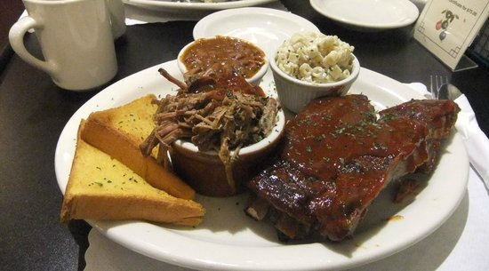 Henry's Famous Barbecue: Ribs and Pull Pork