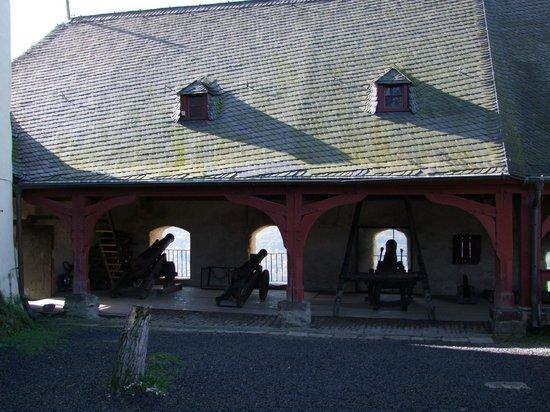 Marksburg Castle: cannons
