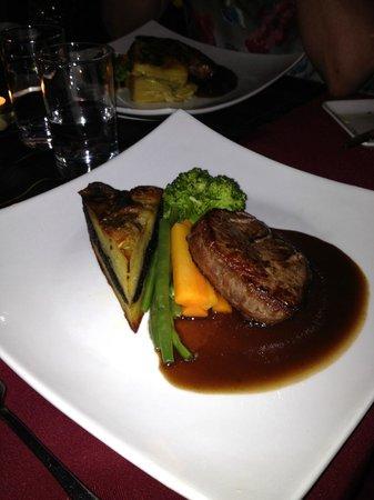 Dornoch Castle Hotel: Gourmet dining