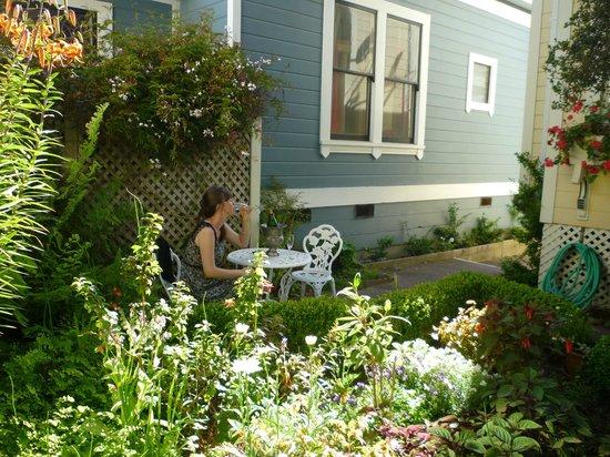 Gosby House Inn - A Four Sisters Inn: garden
