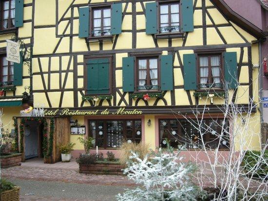 Hôtel-Restaurant du Mouton: Hotel in der Weihnachtszeit