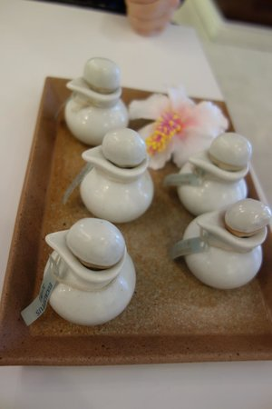 Vanilla Spa: アロマオイルトリートメントのボディーアロマオイルは自分で選べます。