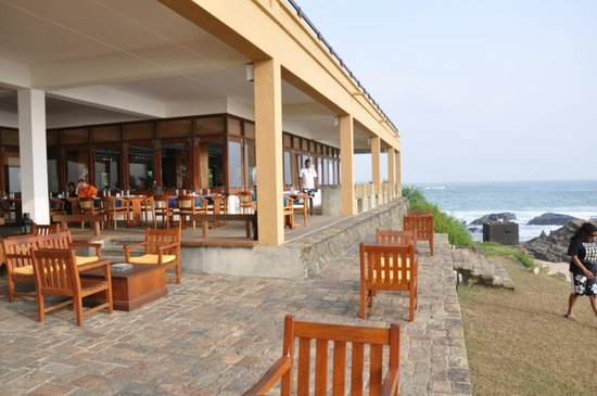 Jetwing Lighthouse : the sunset view from this cafe is breathtaking