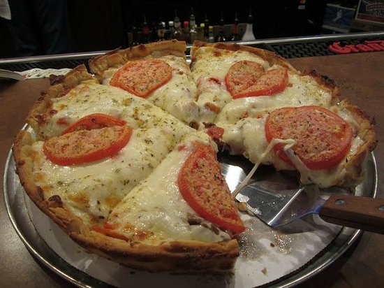 Wig and Pen Pizza Pub: The best pizza - a flying tomato.