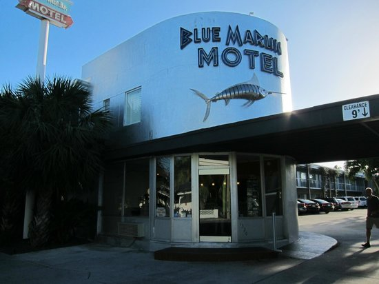 Blue Marlin Motel: Another picture from outside