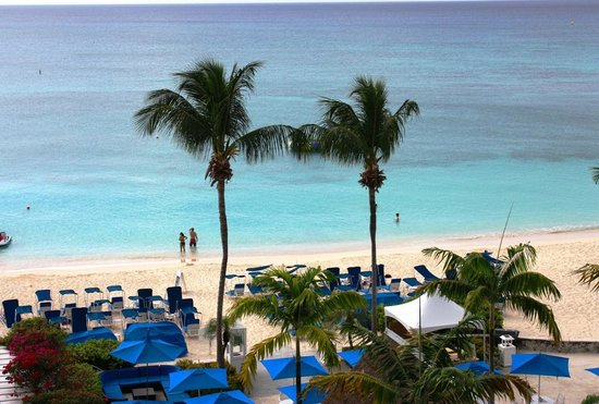 Grand Cayman Beach Suites: View from our balcony
