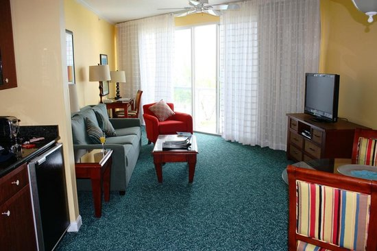 Grand Cayman Beach Suites: Our sitting room