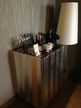 Hotel Wentzl : Minibar and Nespresso Machine