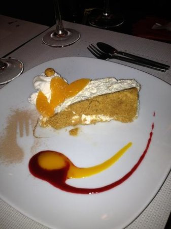 Al Gusto: Spectacular Cheesecake served Xmas Day 2012 - forget the calories occasionally!