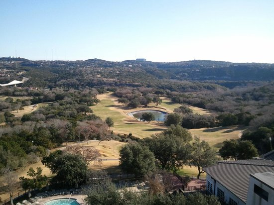 Omni Barton Creek Resort & Spa: Picture taken from our balcony.