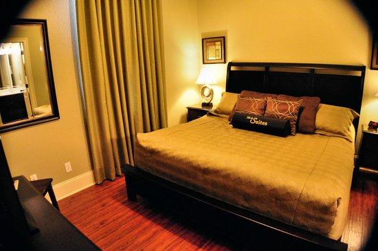 30A Suites: Bedroom