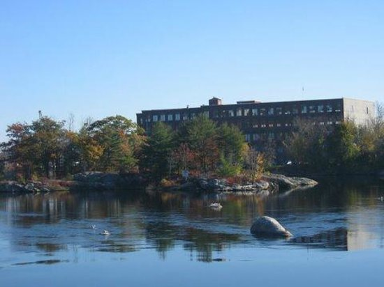 Androscoggin Brunswick-Topsham Riverwalk: Cabot Mill at Fort Andross in Brunswick