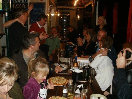 Antonios Pizza Place : Antonios