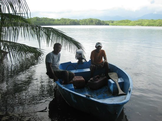 Hotel La Tranquilidad: the mangrove and te boat we took out