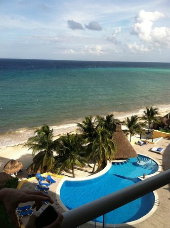 Melia Vacation Cozumel Golf - All Inclusive: View from the room (brownish water the first day, I still got in it!)