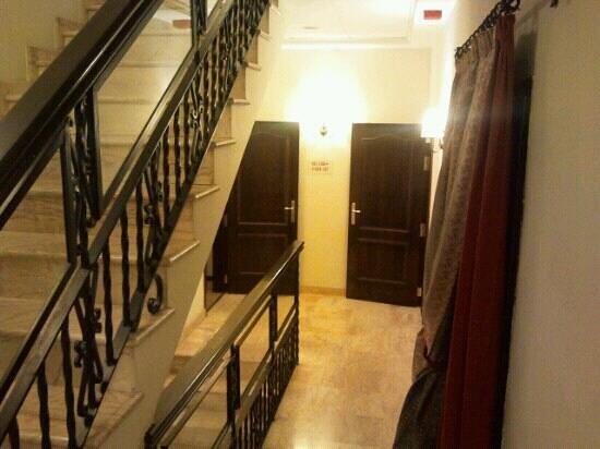 Hotel Maestranza: Escaleras/Stairs