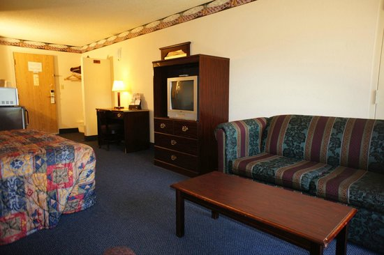 Lincoln Inn Hotel & Suites: All new flat screen TV's in 2013