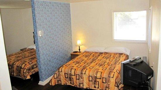 Whitefish Motel & Studios: Studios - 2 Queens