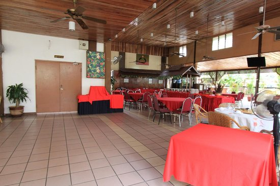 Pangkor Bay View Beach Resort: restaurant at the hotel