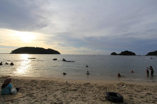 Pangkor Bay View Beach Resort: View from Teluk Nipah - Mentanggor Island and Giam Island 