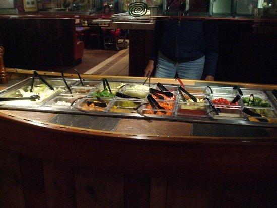 Zax Restaurant & Watering Hole : Soup & Salad bar