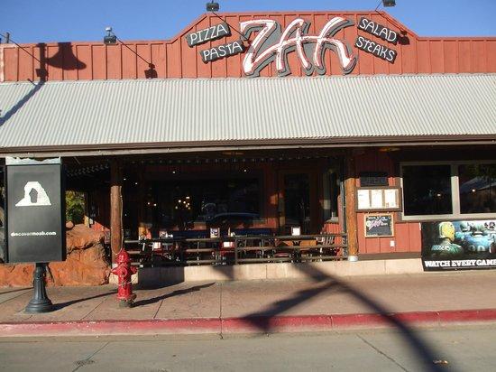 Zax Restaurant & Watering Hole : Exterior view