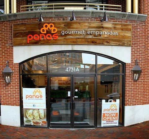 Panas Gourmet Empanadas: Entrance