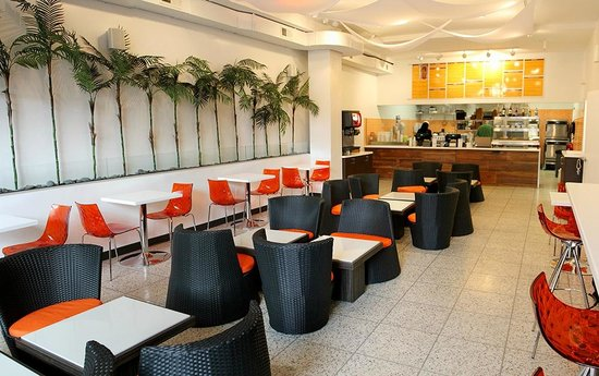 Panas Gourmet Empanadas: Inside