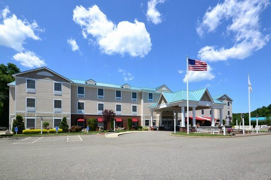Photo of Comfort Inn and Suites Colonial Sturbridge
