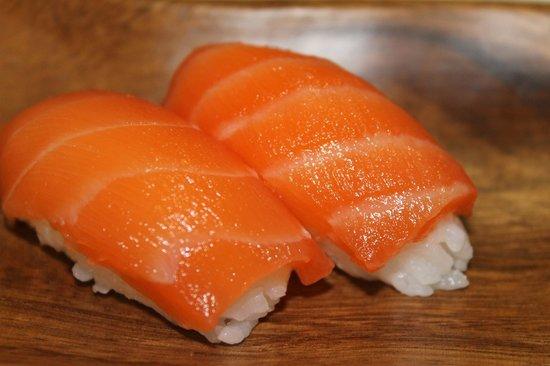 Sushi And Love: nigiris de salmon!