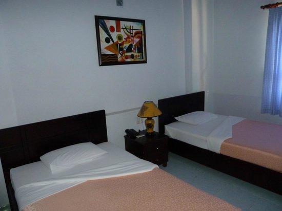 Chau Pho Hotel: Zimmer