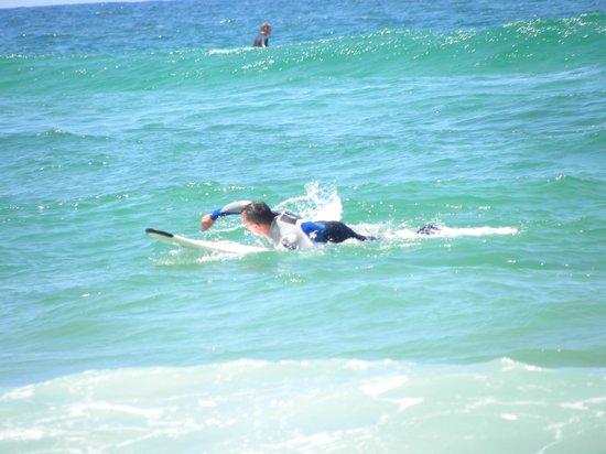 Messanges surf school: surfing :)