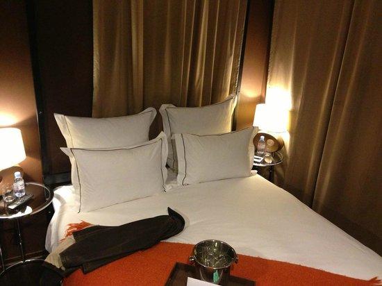 Brown TLV Urban Hotel: Room 201