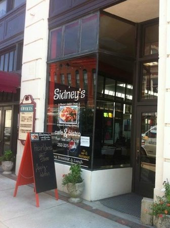 Sidney's Cafe and Bistro : Sidney's on Main St.