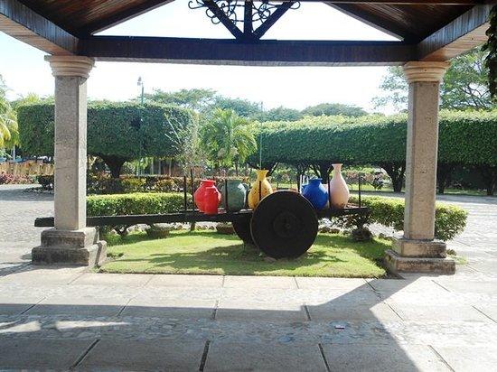 Chinandega, Nicarágua: Entrada Hotel Los Volcanes