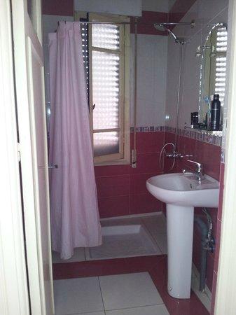 El Muniria: Most rooms have clean and functional ensuite