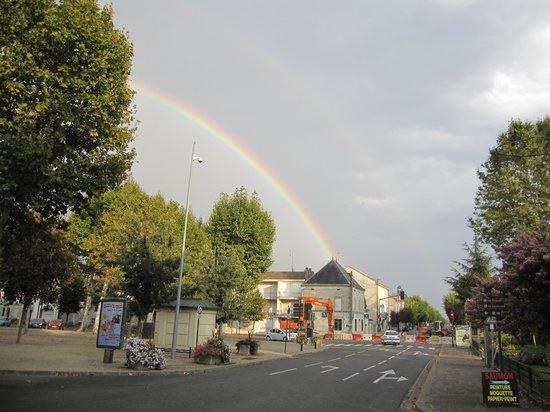 Auberge du Lion d'Or : Rainbow out the front door
