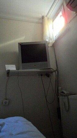 Sevila Hotel: stanza elettrizzante