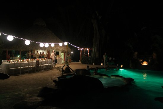 Villas Hermosas: The wedding reception by the pool and rancho
