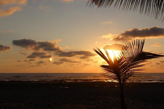 Villas Hermosas: Sunset was gorgeous every night!
