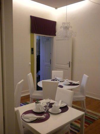 Lisbon Dreams Guest House: la sala delle colazioni
