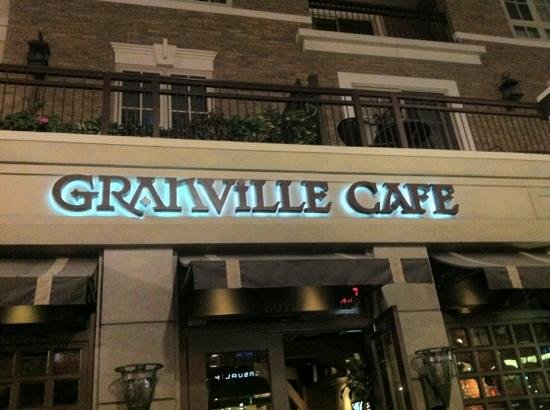 Granville: Front of the cafe