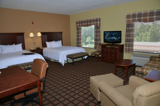 Hampton Inn and Suites Lake City: Two Queen Studio Suite