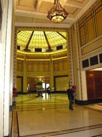 โรงแรมแฟร์มอนท์ พีซ: lobby