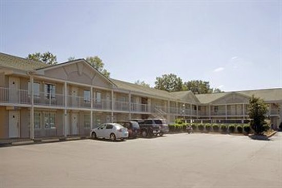 Americas Best Value Inn Tuscaloosa: Outside Property
